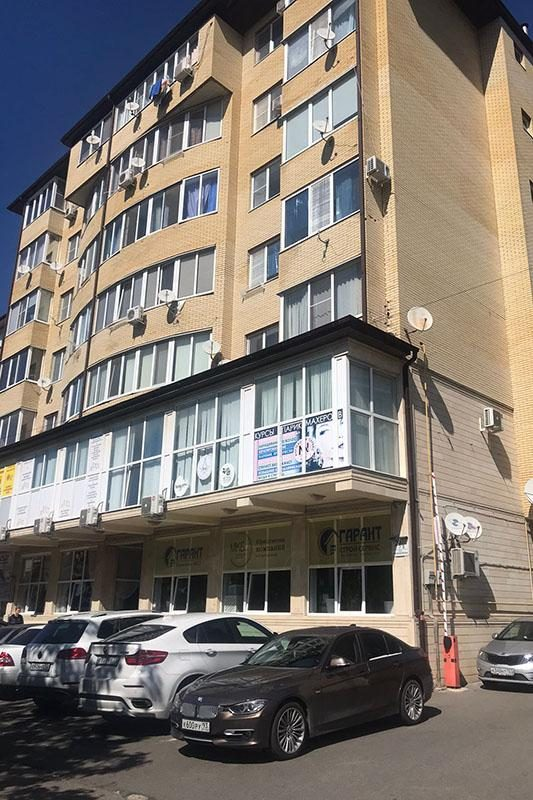 Офисное здание в котором расположен дилинг компании LIVE Investing group