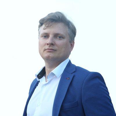 Артур Синицын - куратор онлайн курса обучения трейдингу Полное погружение 2.0 по направлению психология